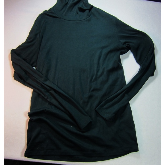 5bd1bf90fa2e2 Uniqlo Supima Cotton Dark Green Turtleneck Large. M 5b2c13f0c9bf507b8bd2054e